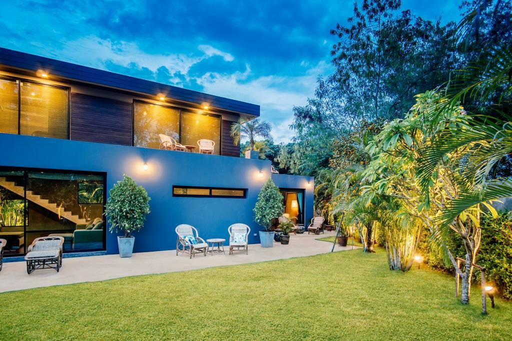 Chiang Mai Private Pool Villa | Backyard Evening Picture